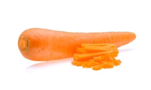 Cenoura isolada no branco
