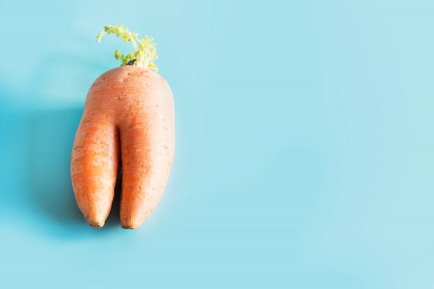 Cenoura orgânica em forma de coração