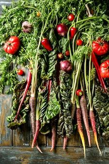 Cenoura roxa com legumes