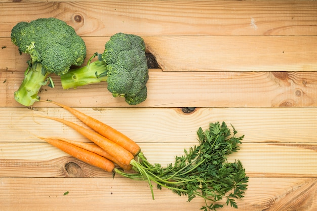 Cenouras e brócolis