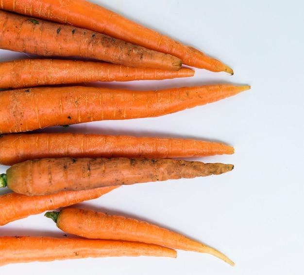 Cenouras orgânicas frescas