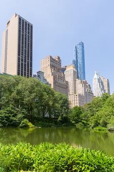 Central park a lagoa manhattan em nova york