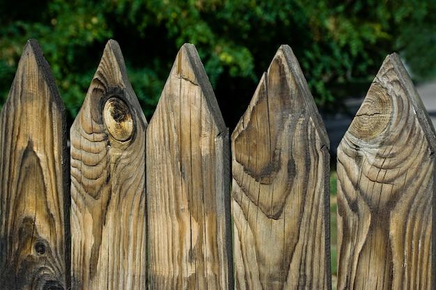 Cerca de madeira, o grande plano.