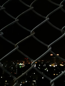 Cerca de malha soldada com visão noturna