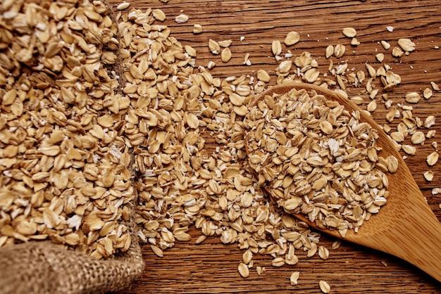 Cereais cozinhando produtos orgânicos, visão de cima