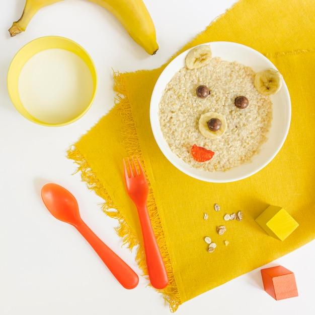Cereais de forma plana leigos urso