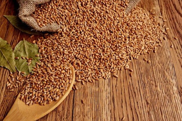 Cereais na mesa café da manhã saudável vista de cima