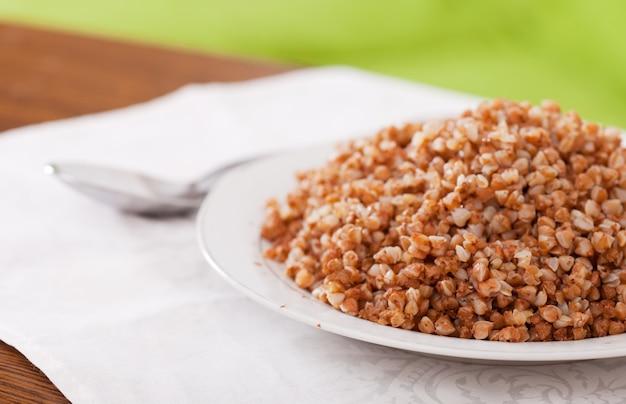 Cereal de trigo sarraceno cozido