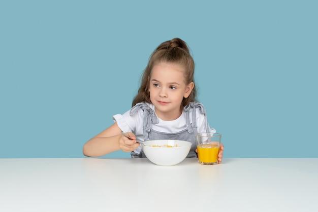 Cereal e suco favorito
