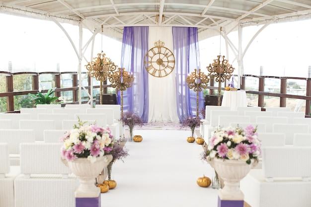 Cerimônia de casamento no estilo da cinderela