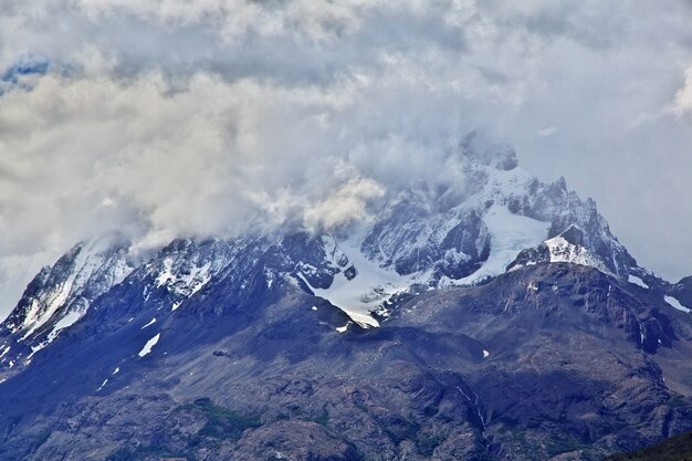 Cerro paine grande no parque nacional torres del paine, patagônia, chile