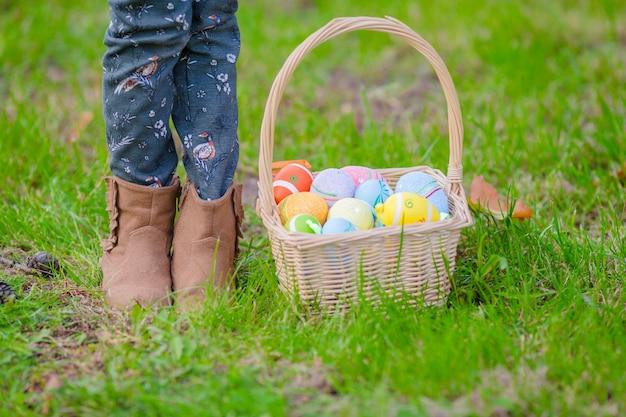 Cesta com ovos na páscoa