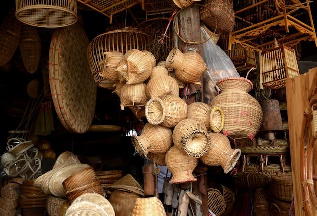 Cestaria em bambu natural artesanal