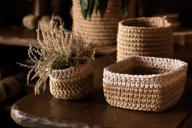 Cestas feitas à mão de fios de juta com crochê, decoração rústica de casa faça você mesmo