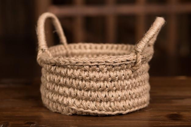 Cestinha artesanal de fios de juta de crochê, decoração rústica, faça você mesmo