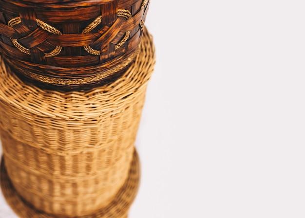 Cestos de vime feitos à mão, arrumação de interiores ecológica natural
