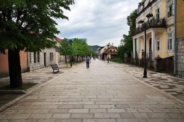 Cetinje é a antiga capital do montenegro