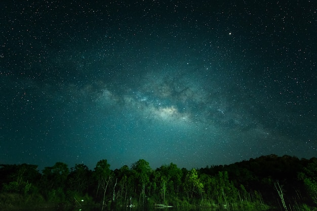 Céu à noite