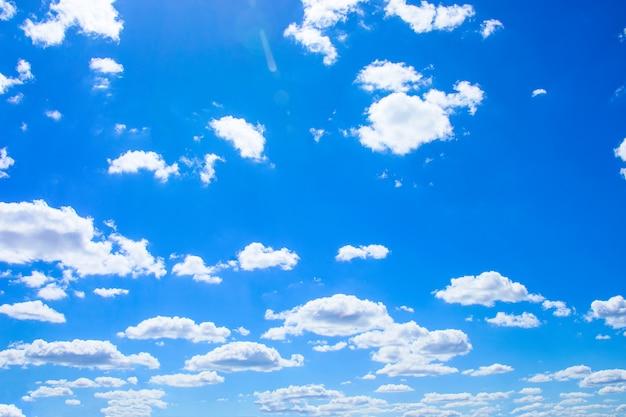 Céu azul, com, branca, nuvens macias