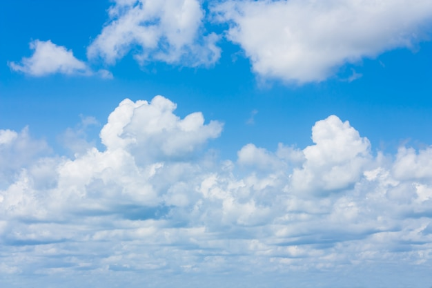 Céu azul de beleza