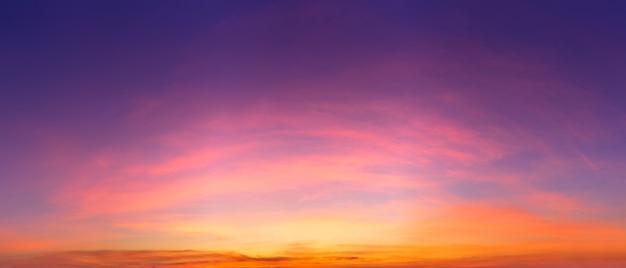 Céu claro crepuscular