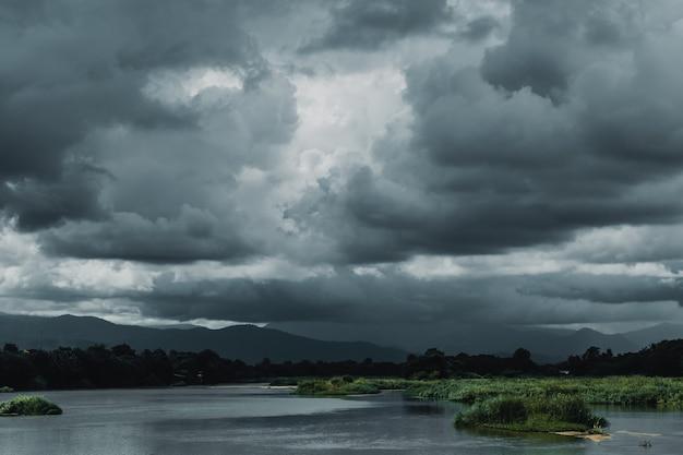 Céu escuro, tempestade, nublado, rio, paisagem, vista