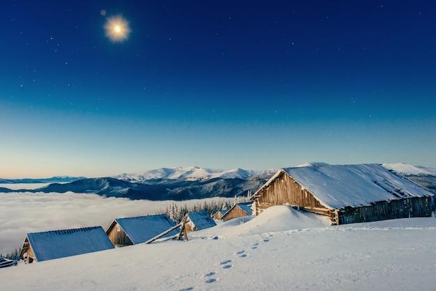 Céu estrelado acima do nosso restaurante nas montanhas
