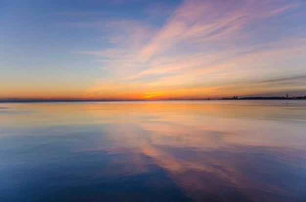 Céu refletido colorful