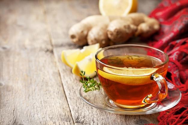 Chá com gengibre e limão