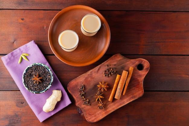 Chá com leite e especiarias chá indiano masala chai