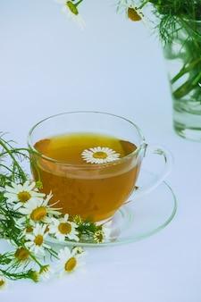 Chá de camomila. foco seletivo.