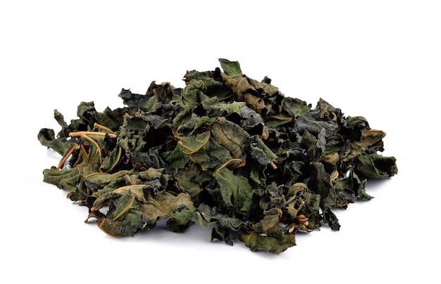 Chá de folhas secas de amoreira