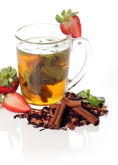 Chá de frutas com morango