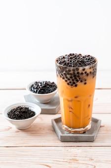 Chá de leite tailandês com bolhas