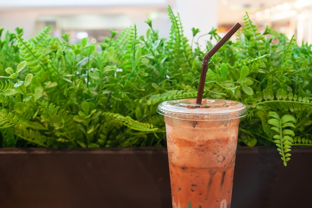 Chá de leite tradicional tailandesa com gelado