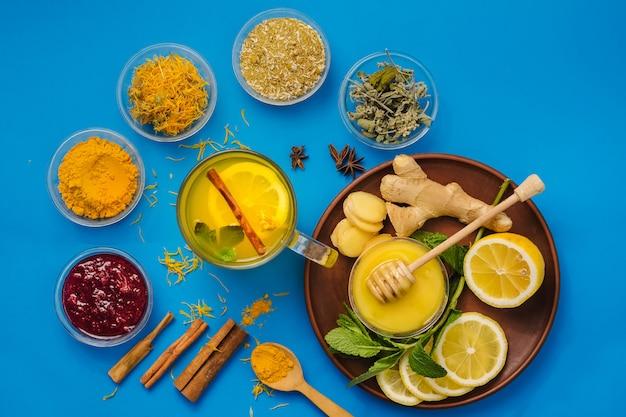 Chá de limão e ervas para uma melhor saúde e sistema imunológico