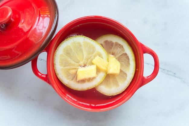 Chá de limão e jengibre
