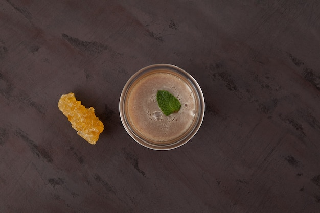 Chá de menta ou pudina chai indiana