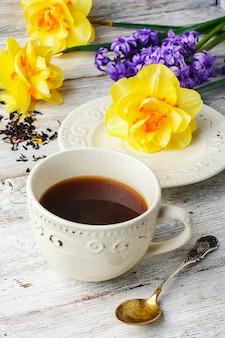 Chá e flores