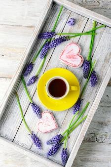 Chá e jacintos