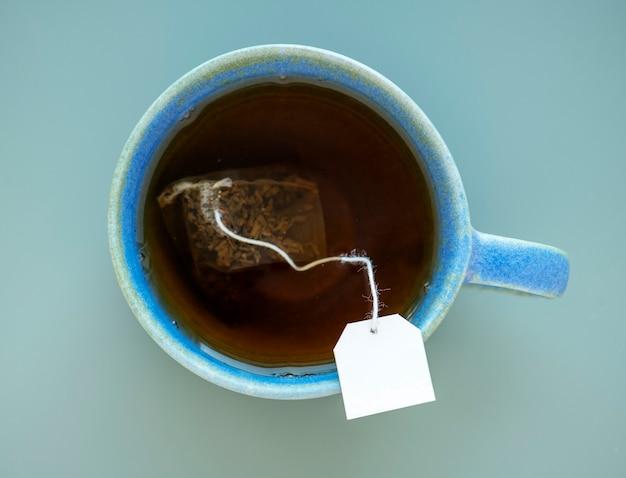 Chá em uma caneca