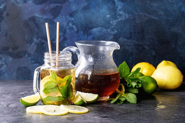 Chá gelado com limão