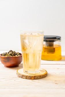 Chá gelado de jasmim