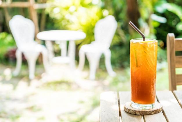 Chá gelado de limão