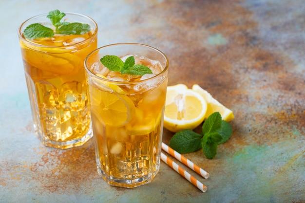 Chá gelado tradicional com limão.