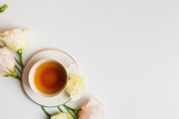 Chá inglês em configuração plana