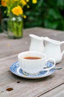 Chá inglês na mesa