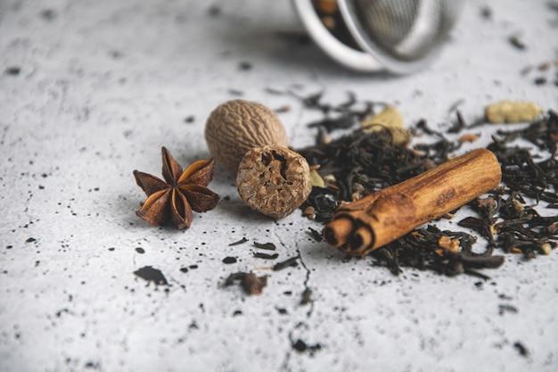 Chá preto masala chai com especiarias