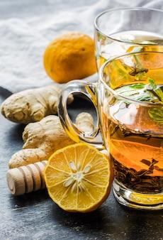 Chá temperado com limão