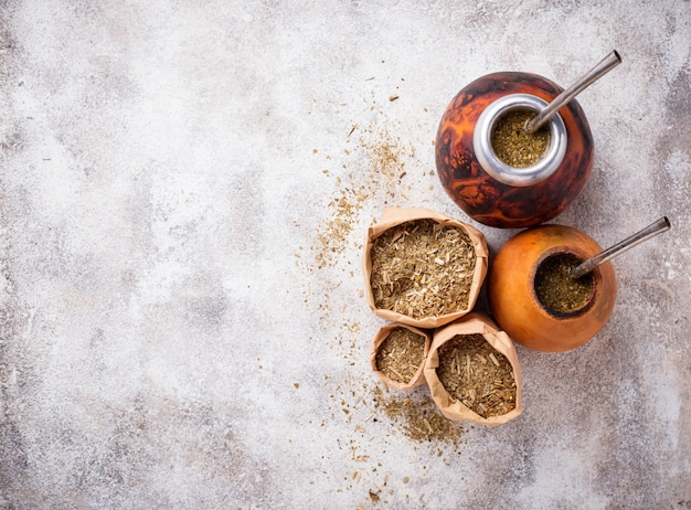 Chá tradicional de erva mate da argentina